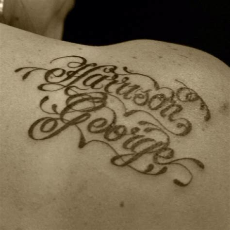 tattoo lettering on hands hand lettering tattoo tatz pinterest