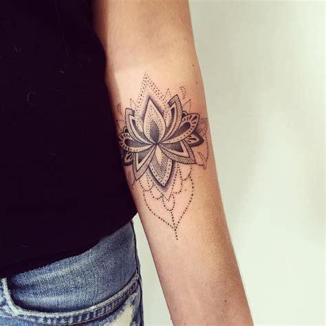 tattoo mandala petit les 25 meilleures id 233 es de la cat 233 gorie petit tatouage