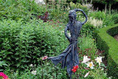 beelden beton voor de tuin tuinbeelden maken als mooie tuindecoratie met