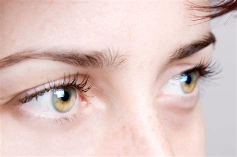 imagenes de ojos observando c 243 mo leer los ojos de una persona 11 claves