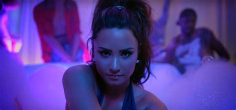 demi lovato sorry not sorry charts hot 100 demi lovato s quot sorry not sorry quot enters top 25