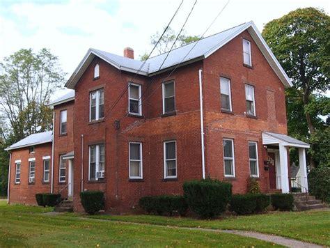 Economical Homes Otis Odd Things I Ve Seen Archer Gilligan Murder House