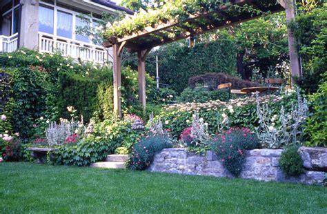 piccoli giardini di casa 10 idee per il giardino davanti l ingresso di casa