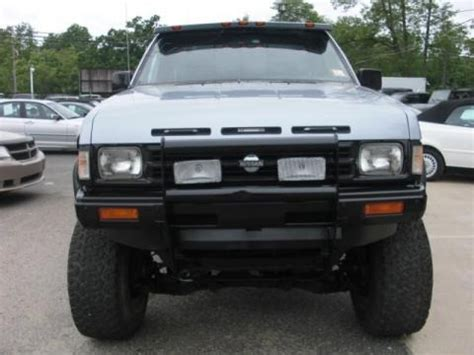 nissan truck specs 1990 nissan hardbody truck regular cab 4x4 data info and