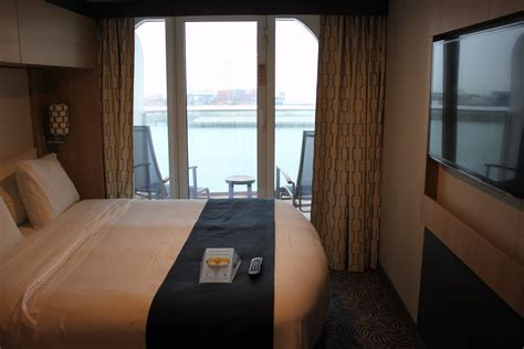 Photo tour of D8 Superior Ocean View Stateroom with