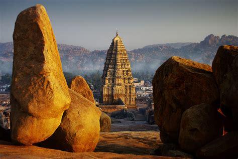 iconic virupaksha temple  hampi