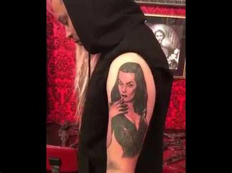 kat von d removes tattoo d vira