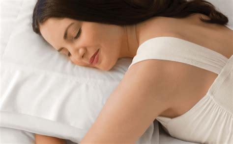 Bantal Orang bantal mana yang tepat memilih bantal tidur yang bagus