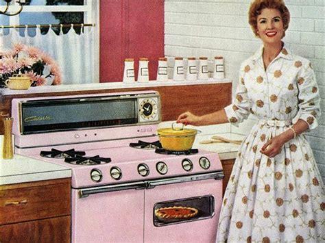 donna in cucina cucina ultracorpi cucine d italia