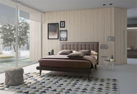 letti matrimoniali alti letto suite letto moderno con piedini alti sofa club