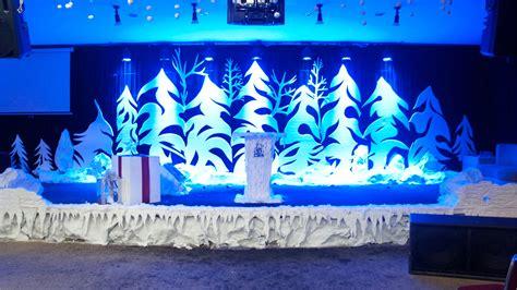 christmas vbs themes grinchy trees church stage design ideas