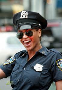 beyonce plays officer photo 1426061 beyonce