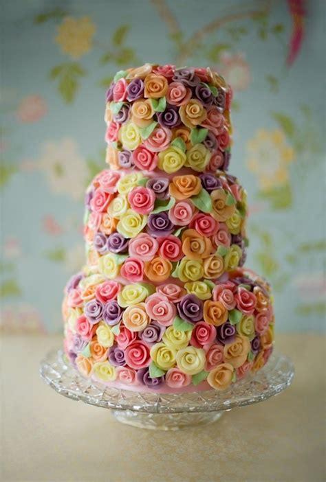 Multi Colored Chandelier 51 Designer Wedding And Engagement Cakes 2014 Mumbai