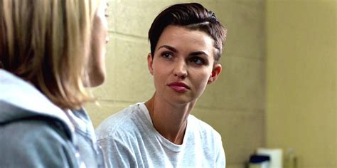 stella orange is the new black oitnb fans frenzy over newbie stella read season 3 s tweetcap