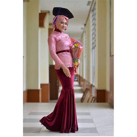 Kebaya Setean Tille Jhoda Tosca model kebaya yang cocok buat wisuda butik jahit pesan jual baju gaun gamis pesta