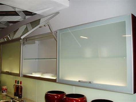 Decke Mit ärmeln Günstig by K 252 Chen H 228 Ngeschrank Beleuchtung Haus Design Ideen