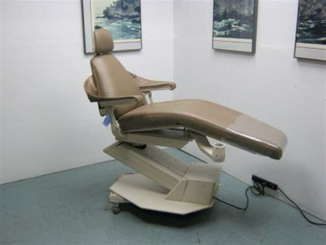 Adec Dental Chairs by Refurbished Adec 1005 Priority Dental Chair For Sale