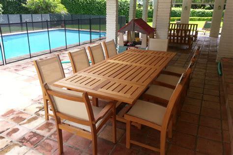 teak outdoor furniture lasts a lifetime