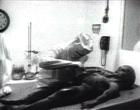 alien autopsy fact or fiction film tv 1995 premi imcdb org quot alien autopsy fact or fiction 1995 quot cars