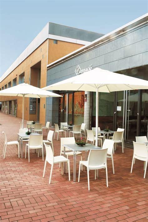 tavoli in plastica per esterno sedie in plastica impilabili per esterni tonon
