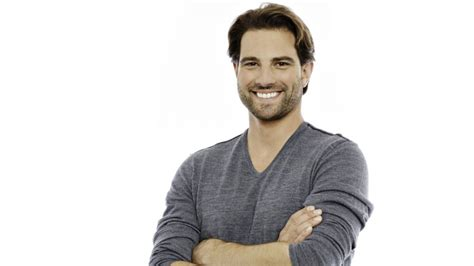 scott mcgillivray scott mcgillivray celebrity real estate investor