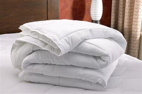 difference between comforter and duvet luxury difference between duvet and comforter collections