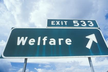 cosa serve per carta di soggiorno miracoli welfare pensioni boom per immigrati stranieri