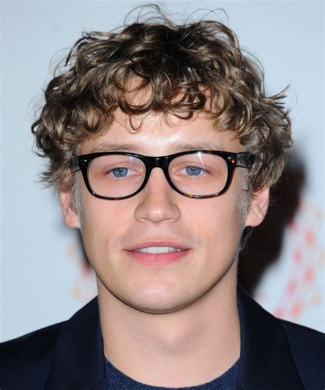 Tim Bendzko Medium Curly Casual Hairstyle   Light Brunette