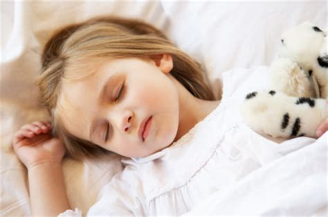 how to get a toddler to stay in bed sleep solutions getting your kids to stay in bed today