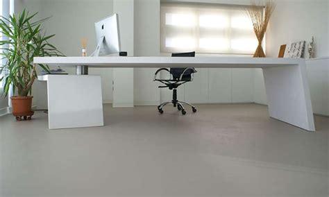 pulizia pavimenti in resina come pulire pavimento in resina consigli e info pulizie