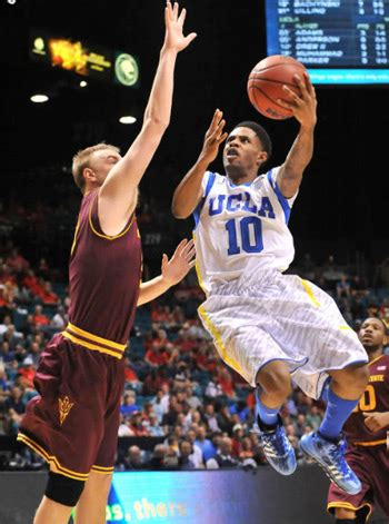 Ucla Executive Mba Cost by M B A Students Mix Sports Fandom And Business Smarts Ucla