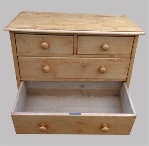 tiroir anglais meuble anglais typique commode ancienne en pin