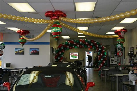 balloon sculptures auto dealers