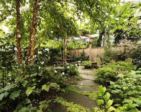 Green Gardens by Architects Roundup 10 Emerald Green Gardens Gardenista