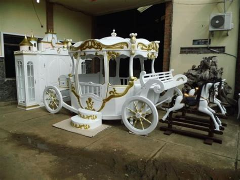 carriage bed for girl pumpkin bed inspired by cinderella princess carriage bed home improvement