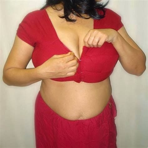10 best images about sexy desi aunties on pinterest sexy actresses desi hot sexy aunty on twitter quot click link for real life