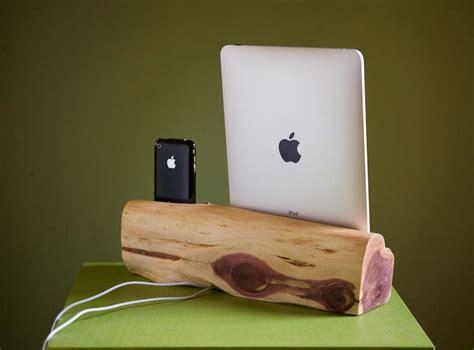 handmade wooden ipad iphone dual docking station gadgetsin