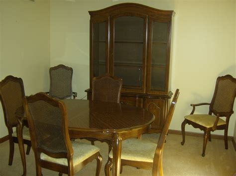 Angola Garage Sale by Broyhill Dining Room Set In Milcrsale S Garage Sale Angola In