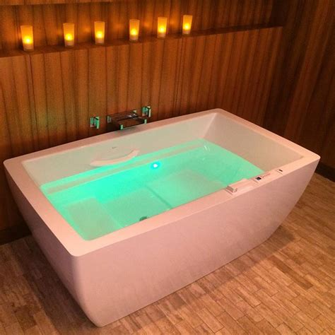 therapeutic essencia tub from bainultra with air