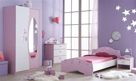 chambre enfant papillon lit papillon blanc