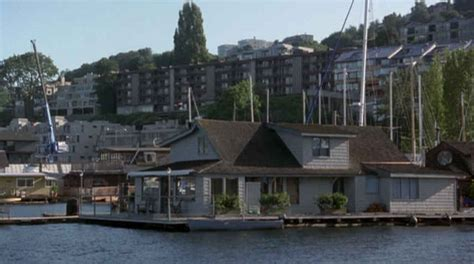 sleepless in seattle house sleepless in seattle houseboat movie hooked on houses