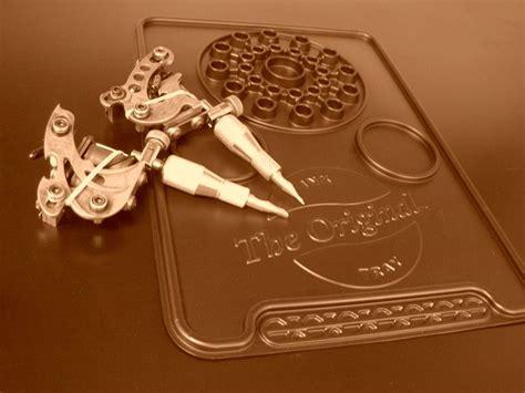 original tattoo process local tattoo artist invents the original ink tray