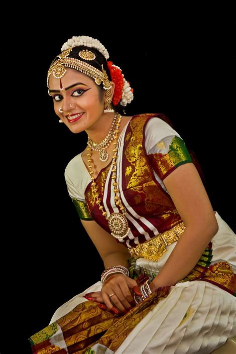 hairstyle for bharatanatyam dance 290 best indian culture images on pinterest