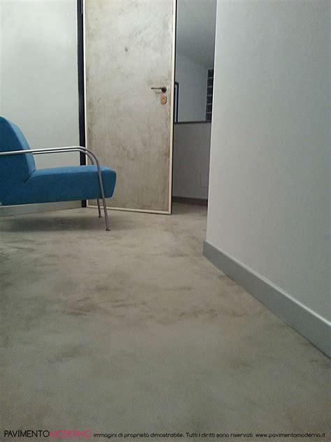 pavimenti in cemento per interni pavimenti moderni per interni pavimenti grigi with