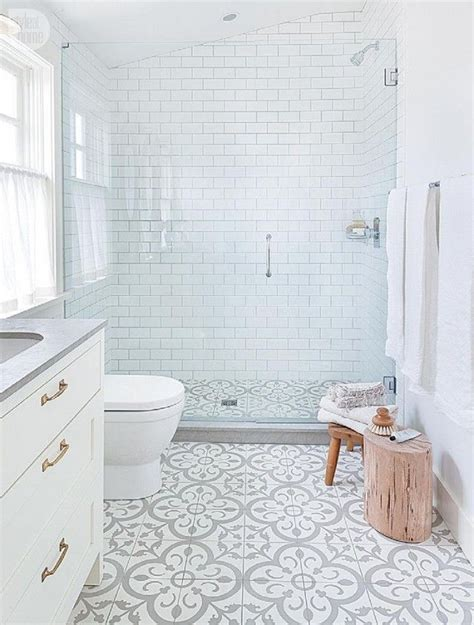 pinterest bathroom tile ideas 25 best ideas about small bathroom tiles on pinterest