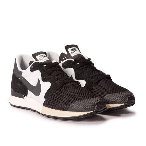 Nike White Black nike air berwuda black white 555305 003