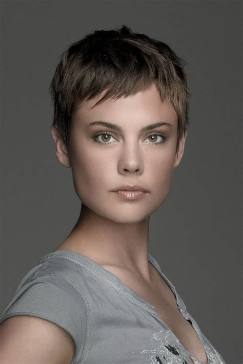 pixie cut hairstyle for age mid30 s 17 best ideas about short grey haircuts on pinterest