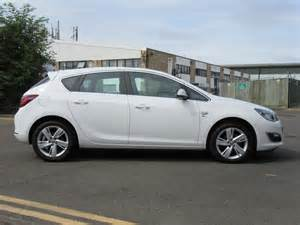 1 4 Vauxhall Astra Used 2015 Vauxhall Astra 1 4 Sri 5dr For Sale In Berkshire