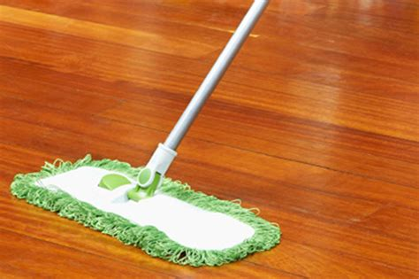 How To Mop Laminate Floors by Cleaning Laminate Flooring