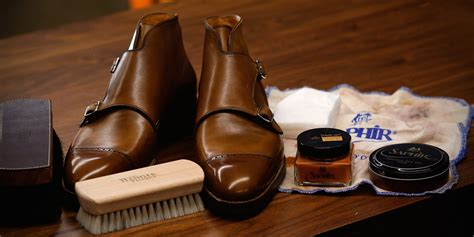 Shoo Care saphir shoe overview